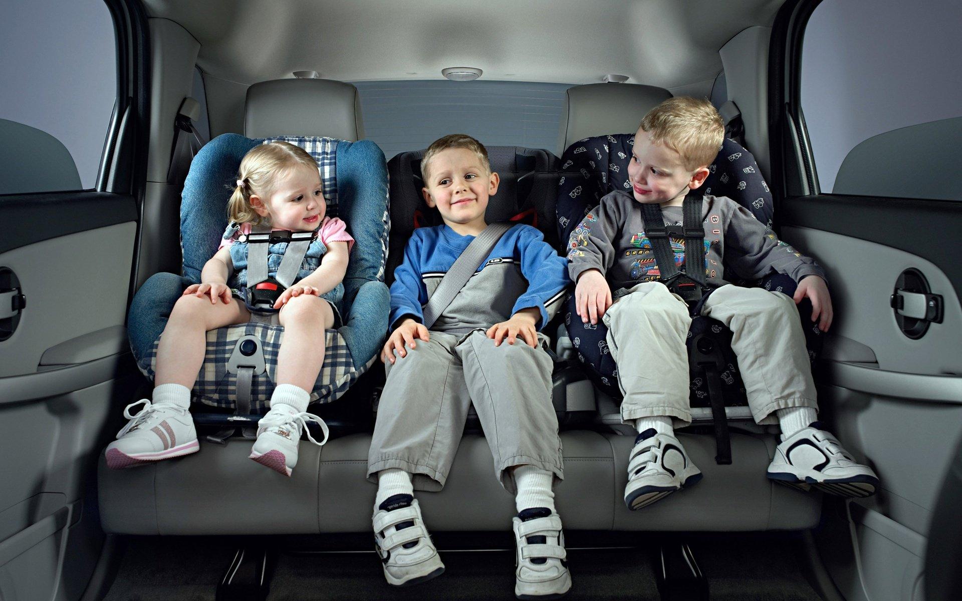 Ремни безопасности на детском кресле: очерки истории